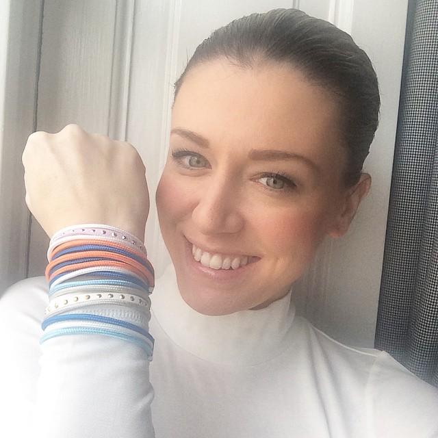 Oggi indosso un solo colore, quello dei bracciali #poniego che…