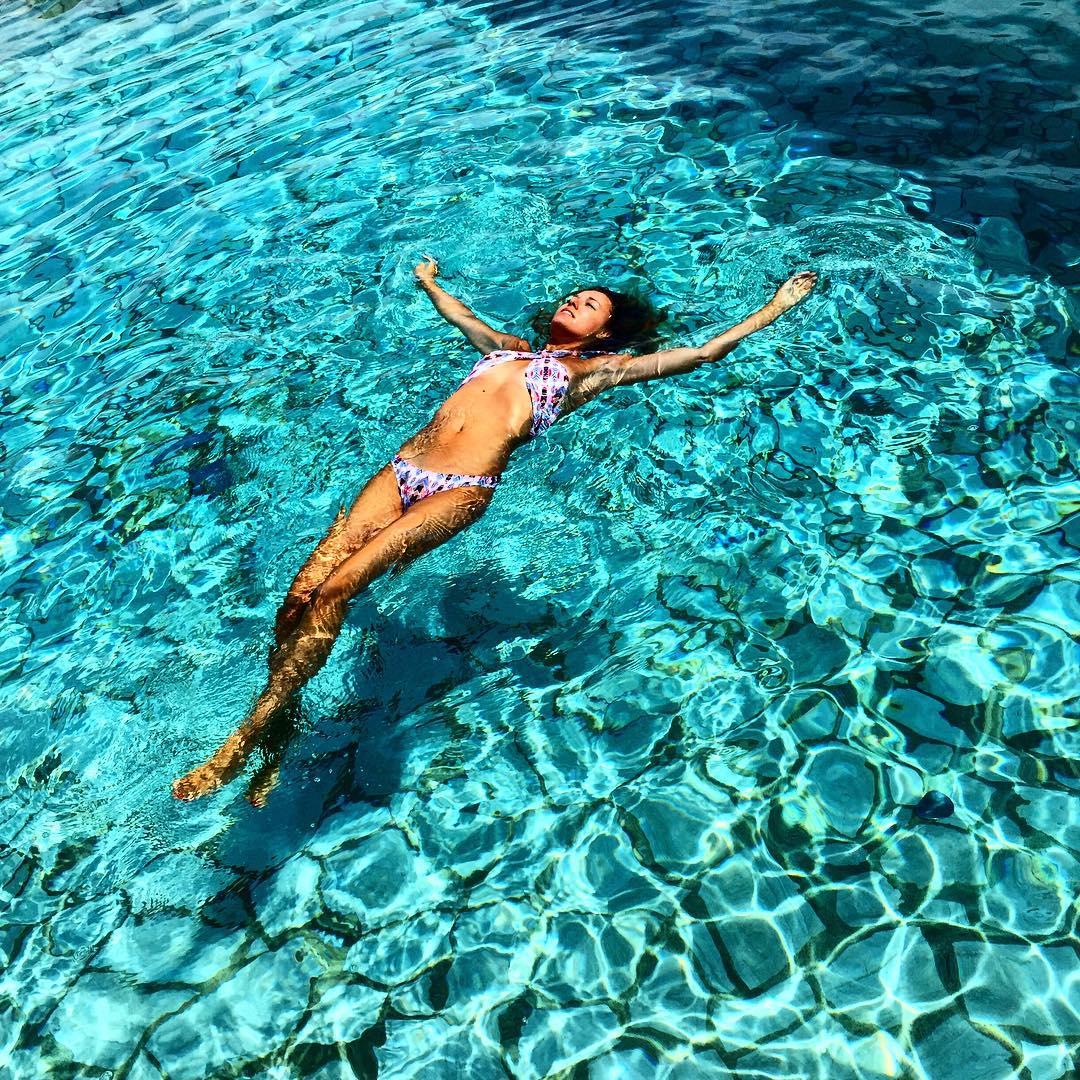 Relax flashback elenabarolo sardegna tbt pool asos bikini summer15 summerhellip