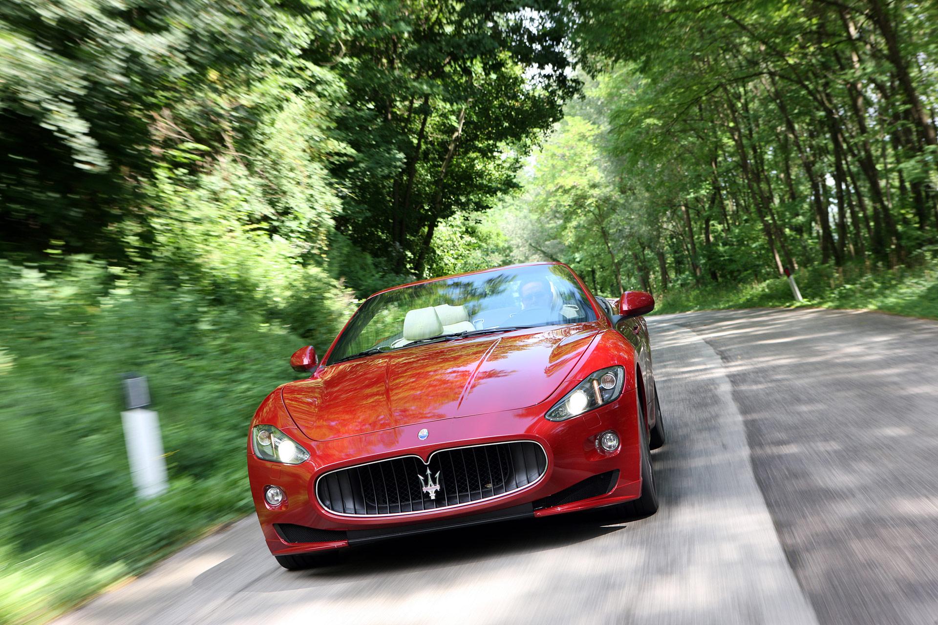 2013-Maserati-GranCabrio-Sport-Image-017