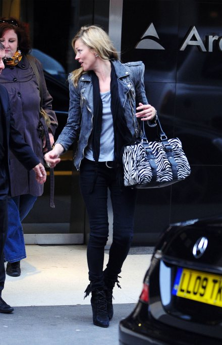 -440-kate-moss-craft-jeans-balmain-denim-jacket-jt-