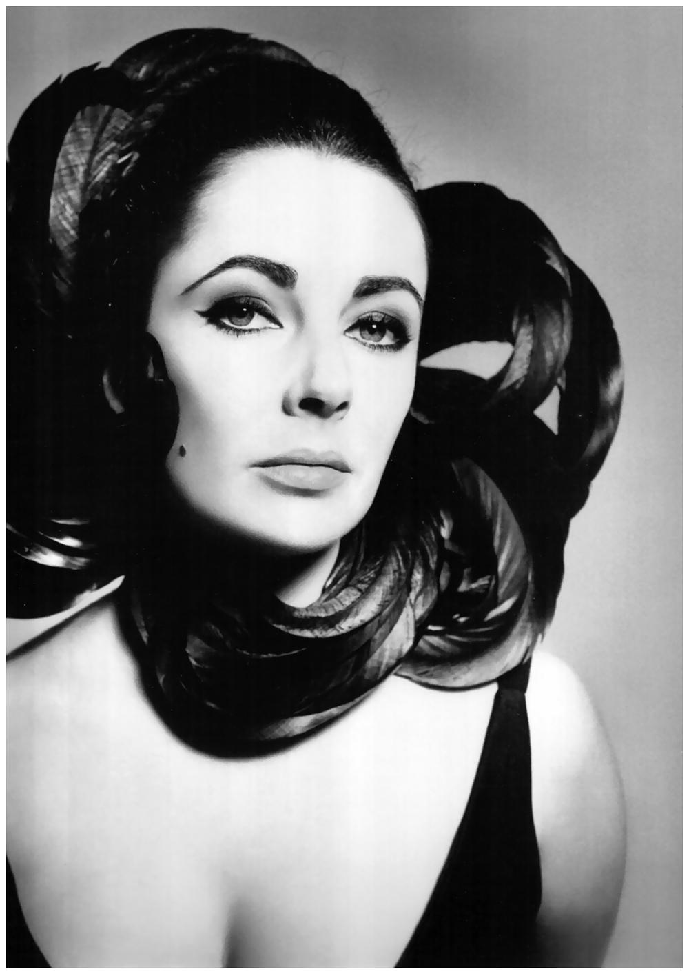elizabeth-taylor-ny-1964-photo-richard-avedon