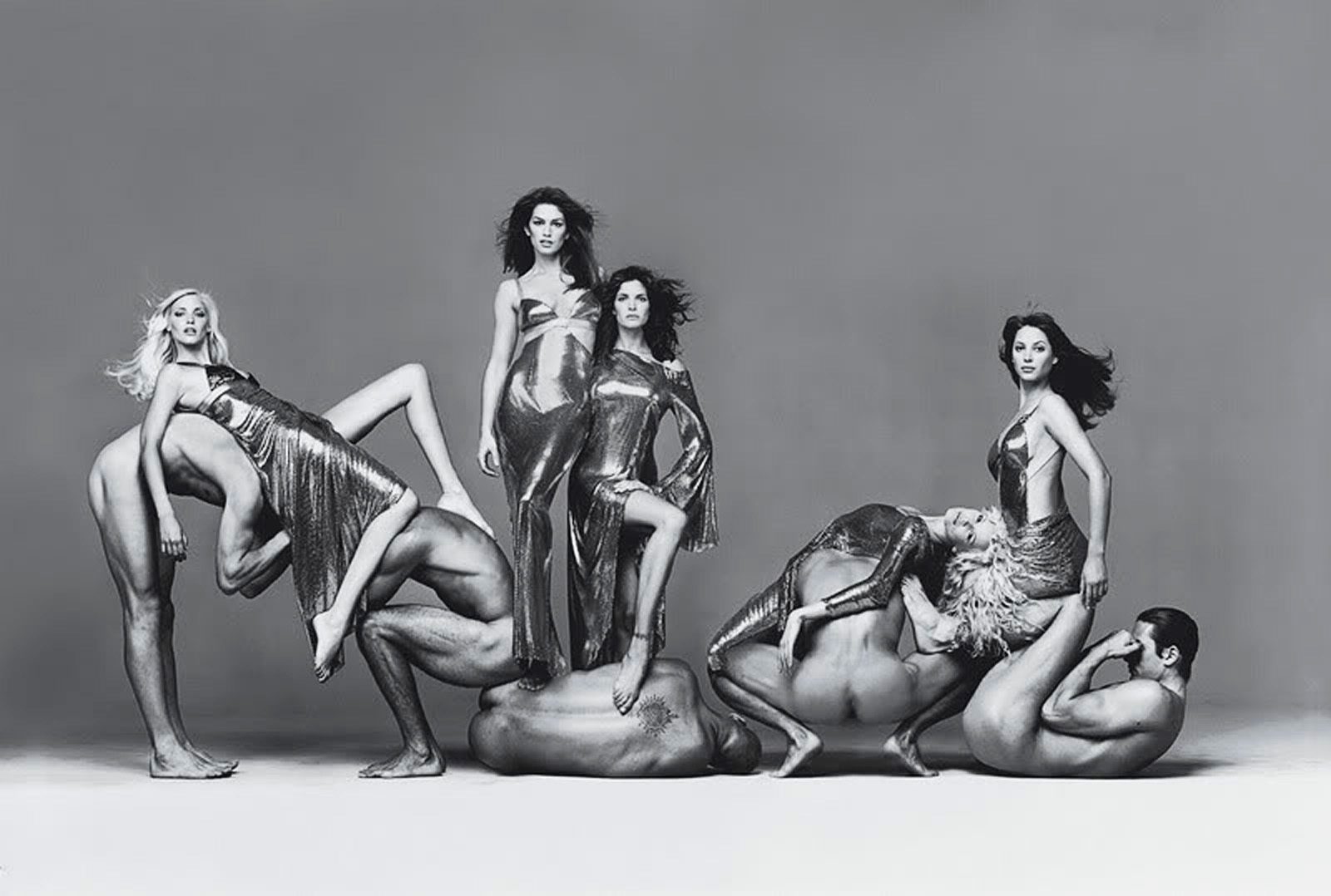 richard-avedon-versace-campaign-group-shot