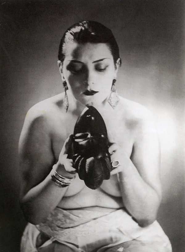 Black & White (Kiki) 03 - Man Ray,1926