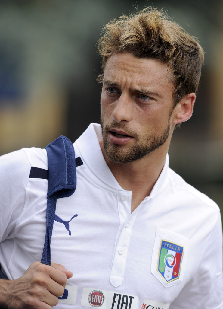 Claudio-Marchisio-season-2012-2013-claudio-marchisio-32347274-741-1024