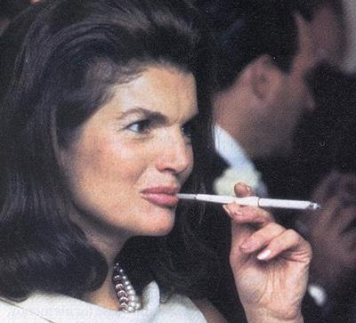 Jackie-Kennedy-smoking