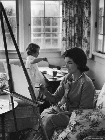 eisenstaedt-alfred-jackie-kennedy-wife-of-sen-painting-on-an-easel-as-daughter-caroline-paints-on-table-at-home