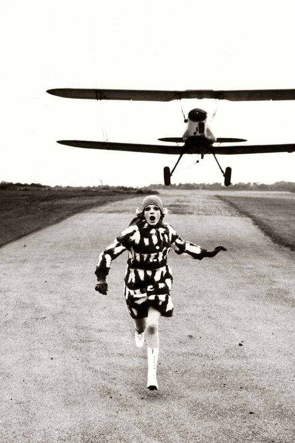 helmut-newton-vogue-2may13-b