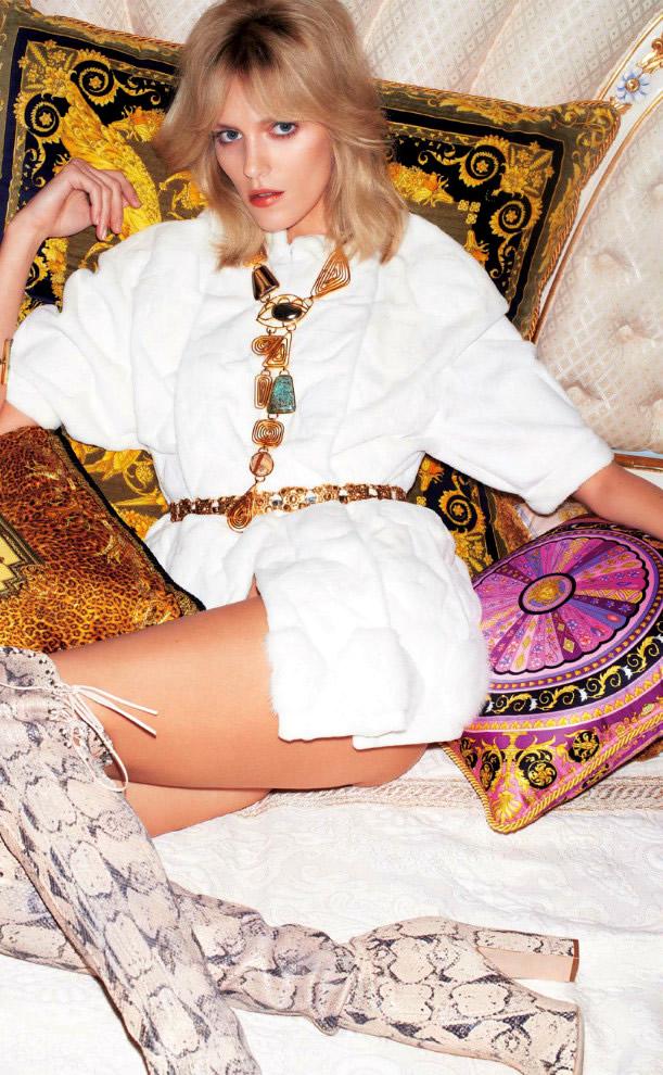 Anja-Rubik-by-Katja-Rahlwes-for-Vogue-Japan-June-2013-
