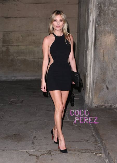kate-moss-in-black-dress-and-christian-louboutins__oPt