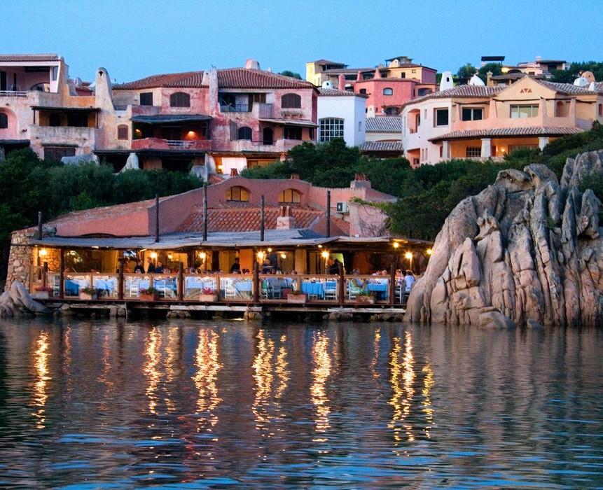 Il_Pescatore_Restaurant_Mediterranean_Cuisine_Restaurant_Porto_Cervo_overview