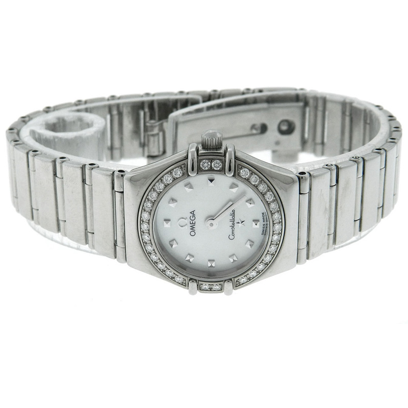 Ladies-Omega-Constellation-1458.75.00-Mother-of-Pearl-Insignia-Diamond-Watch2