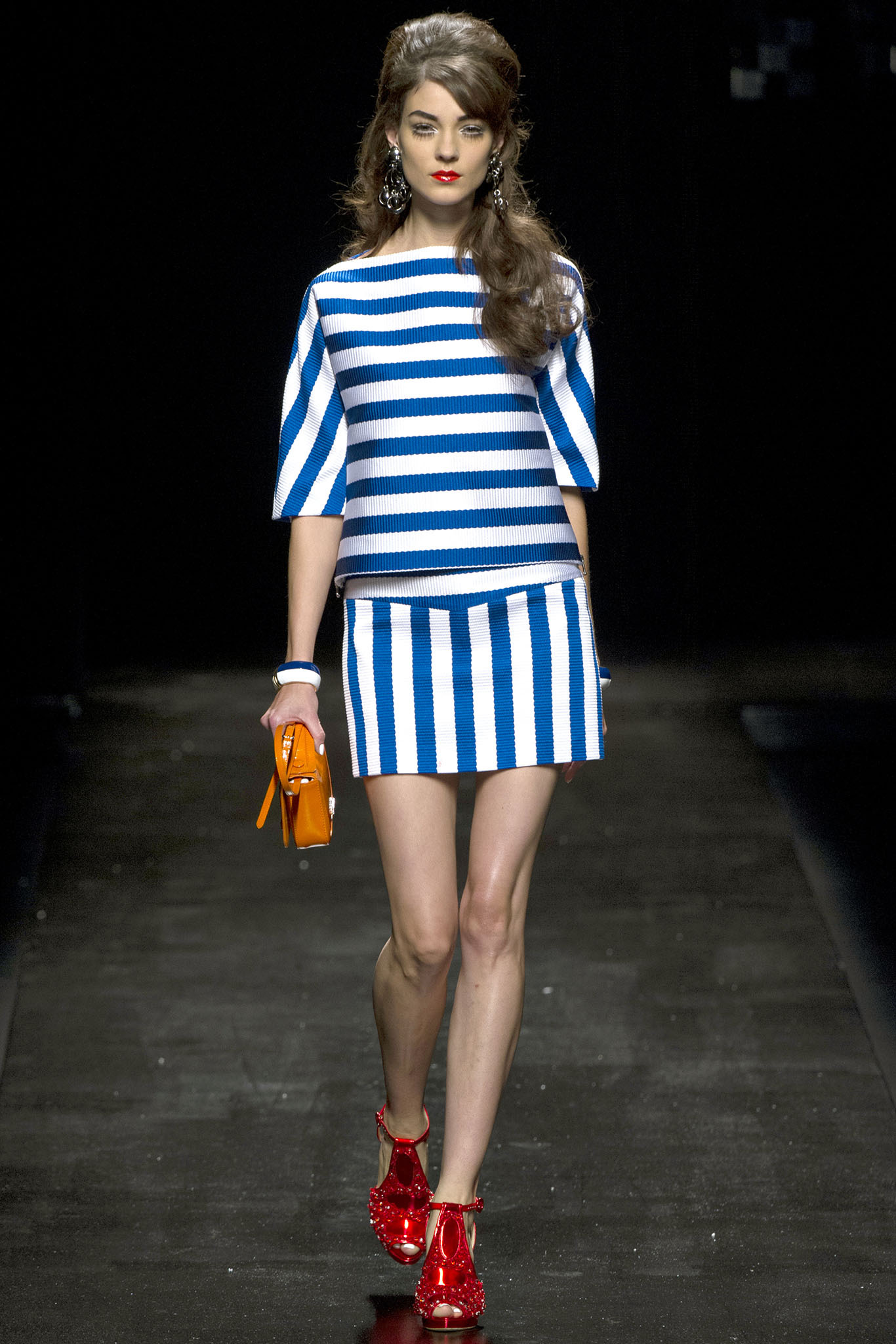right way to wear stripes for the right kind of body