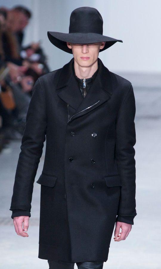 Catwalk-Costume-National-Fall-Winter-2013-14-Men-Collection-Milan-Fashion-Week