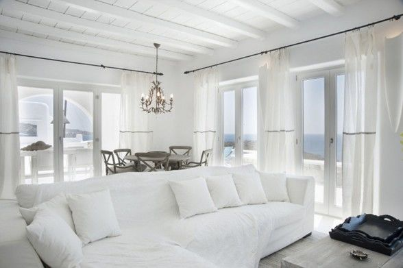 white-sea-side-villa-interior-588x391