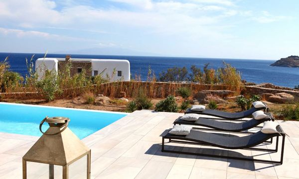 Luxury-Villa-Nora-Mykonos-Greece-sunbathing-chairs