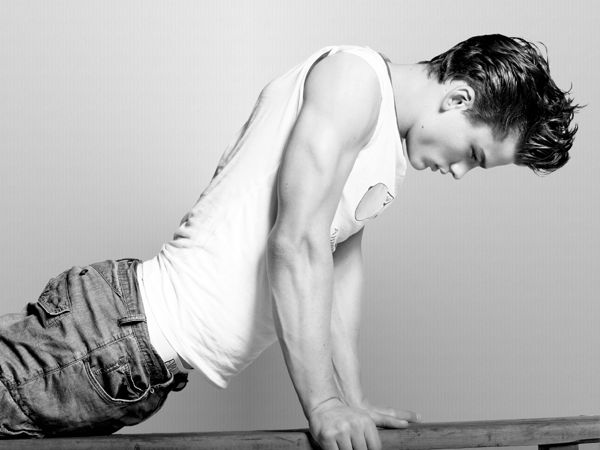 Simon-Nessman-male-models-18857299-1024-768