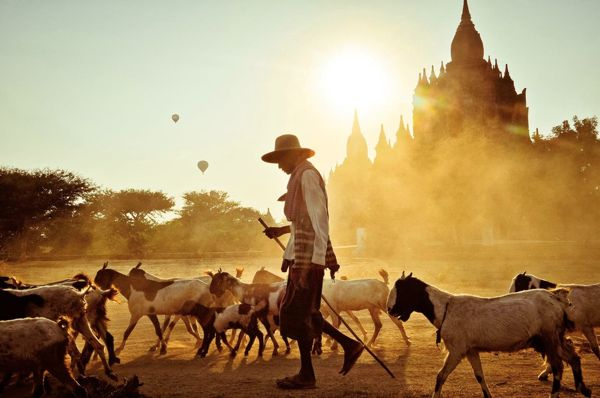 national-geographic-traveler-photo-contest-2012-merit-winner-bagan-bliss-peter-demarco
