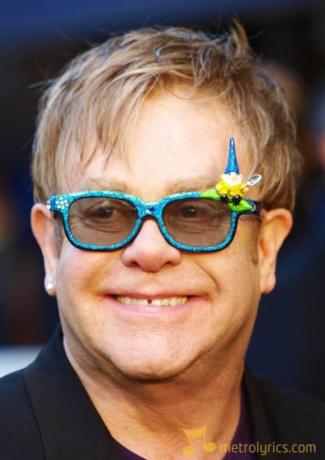 elton-john-British-musician-Sir-Elton-John-wearing-decorated-3D-glasses-ar-108610706