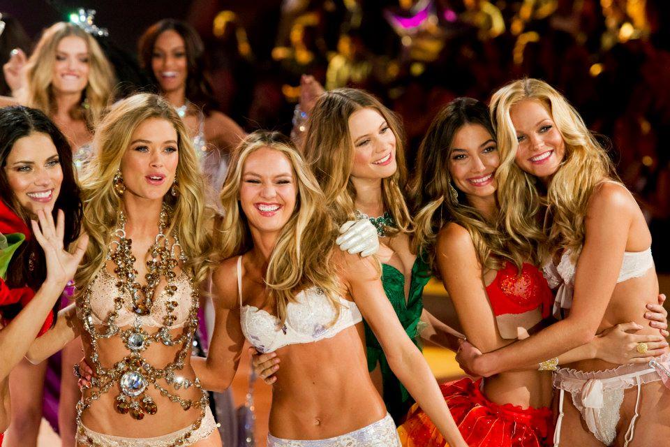 victorias-secret-fashion-show-2012-34