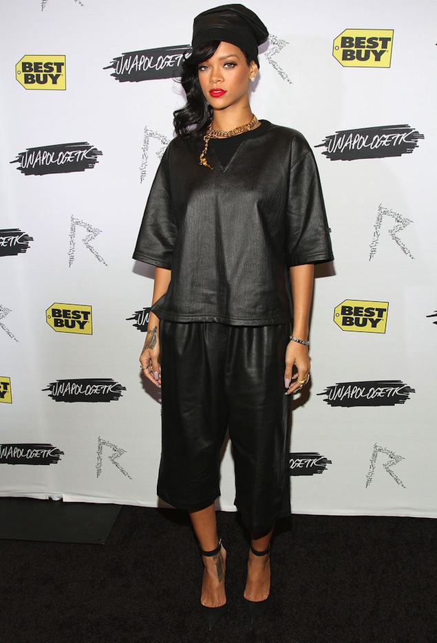 Rihanna-Damir-Doma-leather-outfit-Manolo-Blahnik-heels-UpscaleHype1
