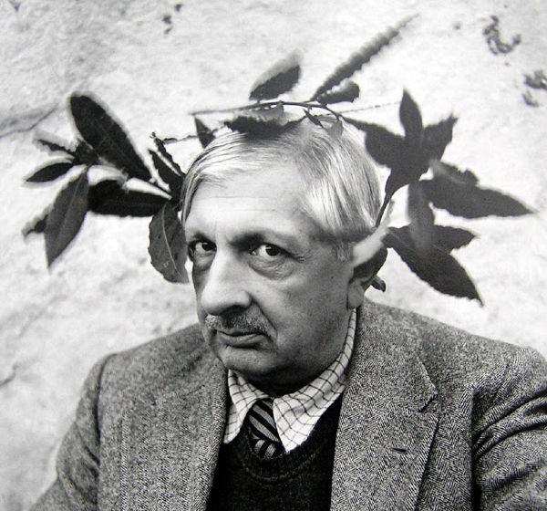 Irving+Penn+~+Giorgio+de+Chirico,+Rome,+1944