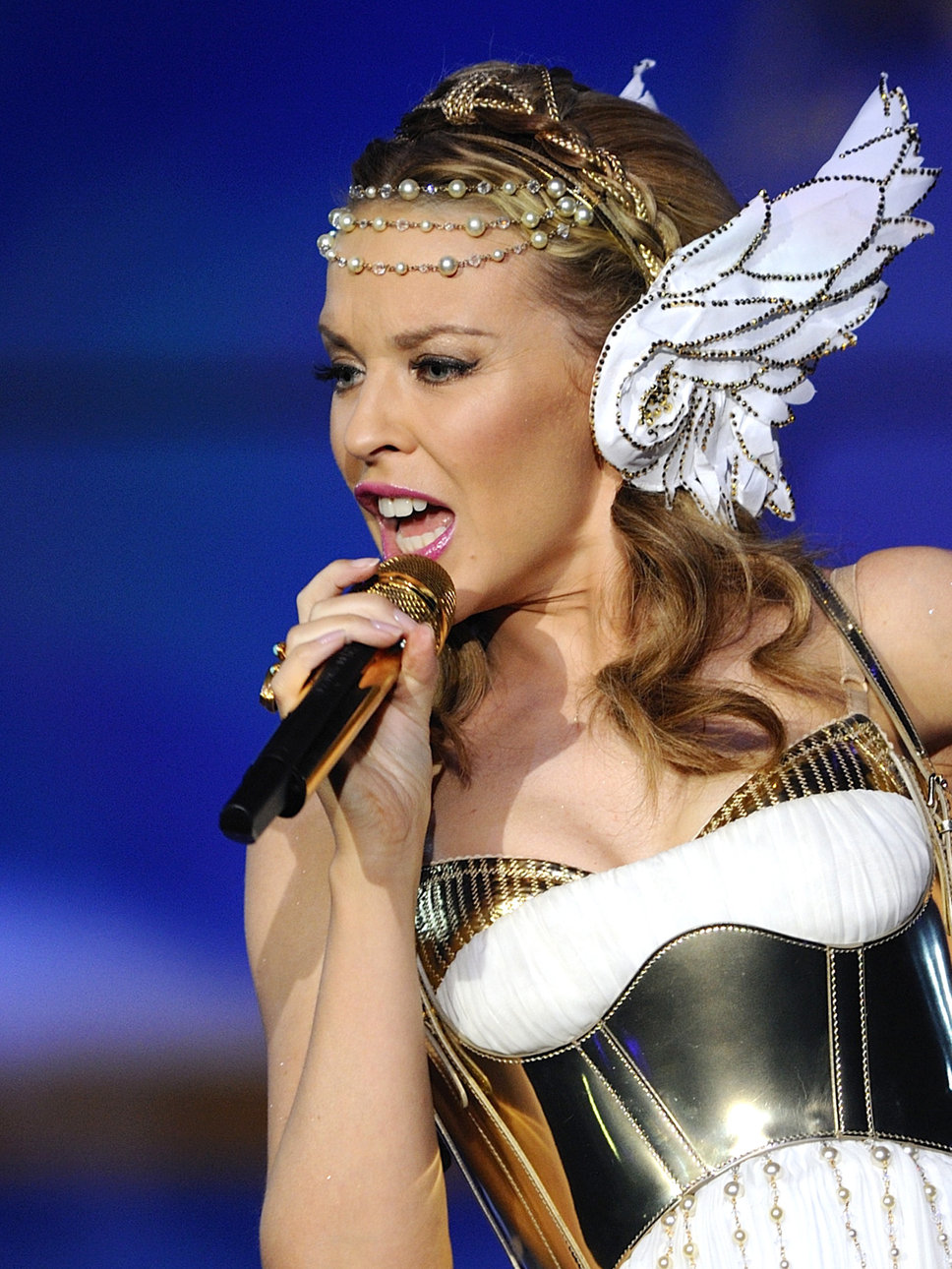 kylie_minogue_godess_costume