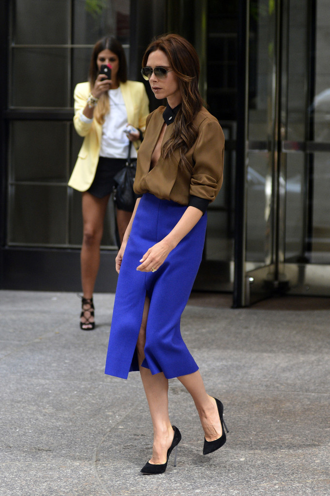victoria-beckham-new-york-city-victoria-beckham-fall-2013-two-tone-keyhole-blouse-purple-high-waist-skirt-1