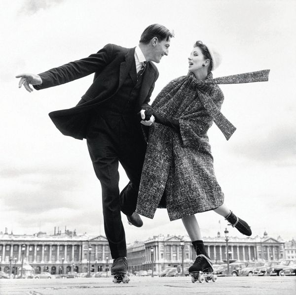 Suzy Parker with Robin Tattersall, dress by Dior, Place de la Concorde, Paris, August 1956