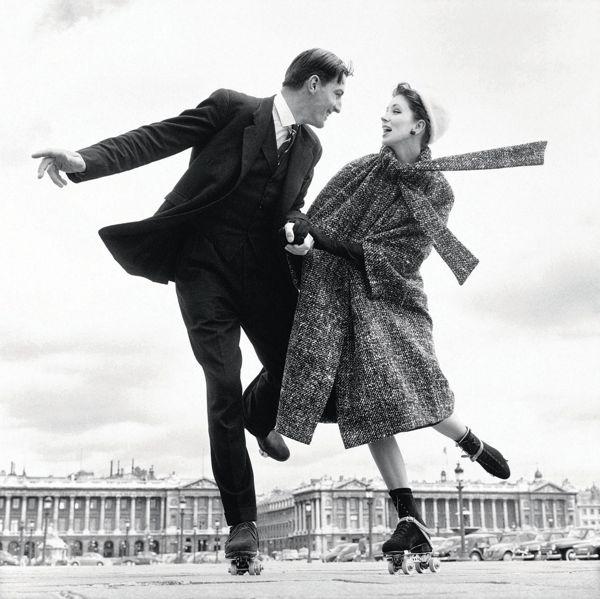 Suzy Parker with Robin Tattersall, dress by Dior, Place de la Concorde, Paris, August 1956