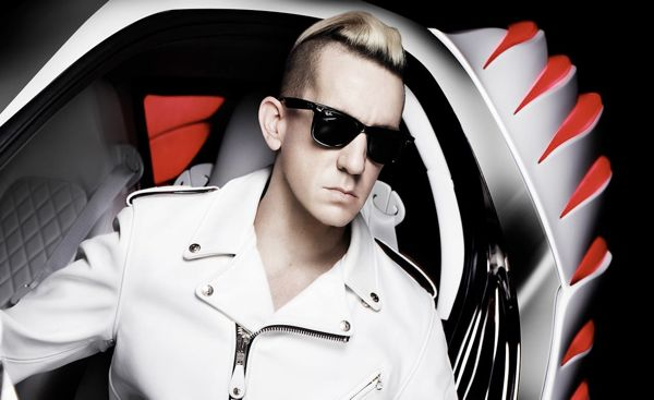jeremy-scott-with-the-2013-smart-forjeremy-photo-513137-s-1280x782