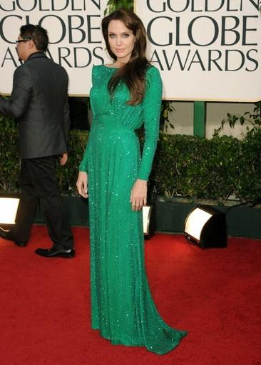 angelina-jolie-verde-smeraldo-treno-piccolo-abito-da-sera-maniche1