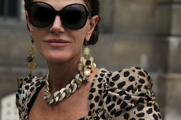 anna-dello-russo-close-up-motilo