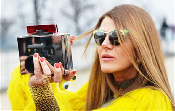 why-it-is-pays-to-be-a-peacock-like-anna-dello-russo_h