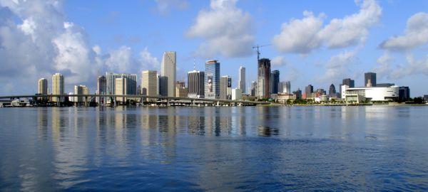 Miami-skyline-for-wikipedia-07-11-2007-by-tom-schaefer-miamitom