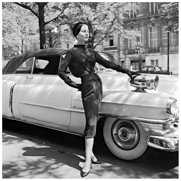stella-in-figure-hugging-wool-day-dress-by-jacques-fath-photo-by-willy-maywald-1950