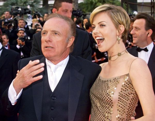 James-Caan-Charlize-Theron-posed-together-Palais-des