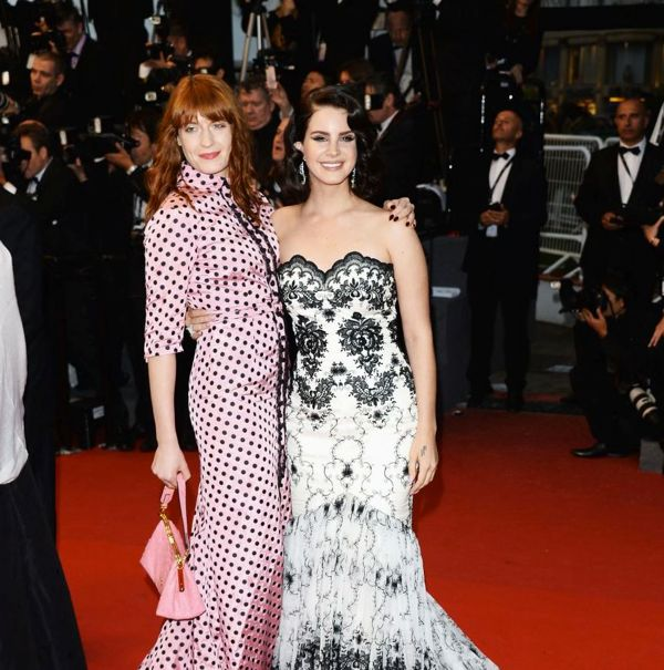12505-florence-welch-and-lana-del-rey-posed-893x900-3
