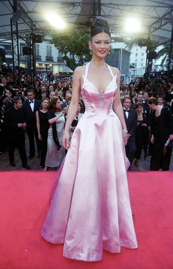 Catherine-Zeta-Jones-wore-pink-gown-1999-Cannes-premiere