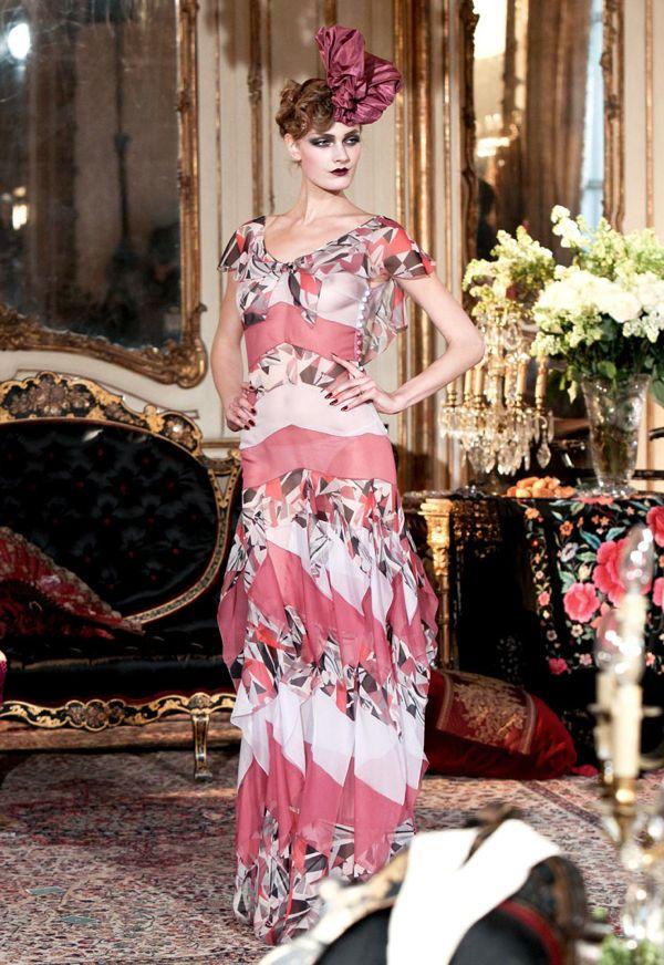 02-john-galliano-paris-fashion-738-030711