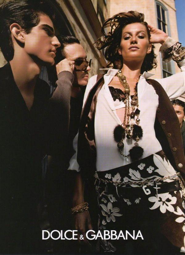 Dolce--Gabbana-Campaign-FW-2002-03-Gisele-Bundchen-by-Steven-Meisel-076117