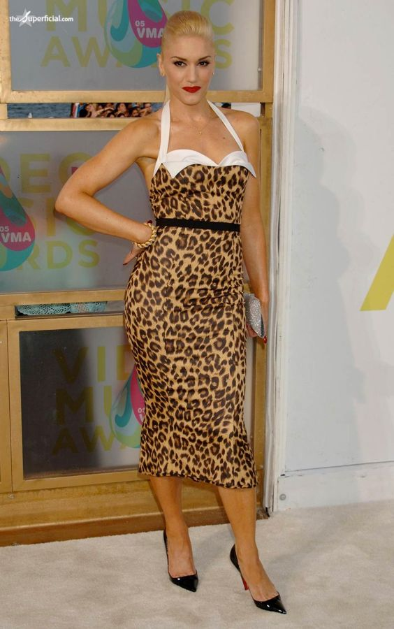 gwen-stefani-leopard-print-dress