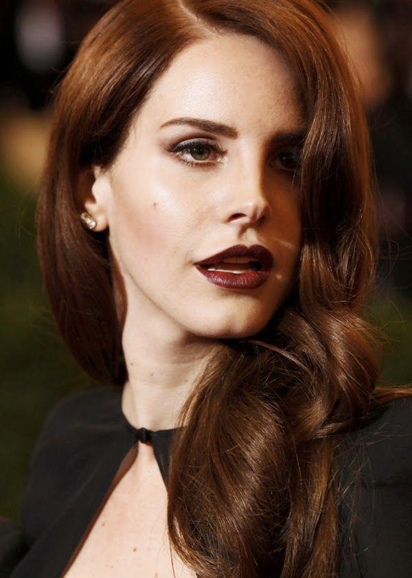 Lana-Del-Ray-MET-2012-Dark-lips