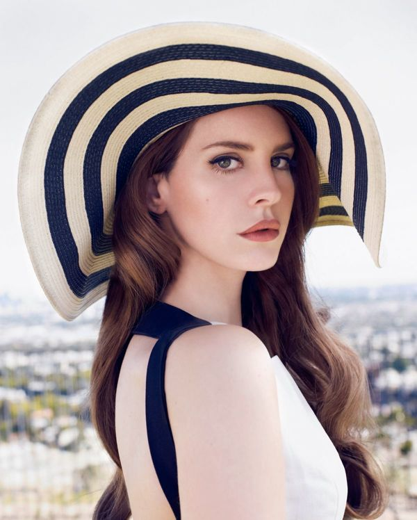 lana-del-rey-at-nicole-nodland-photoshoot_3