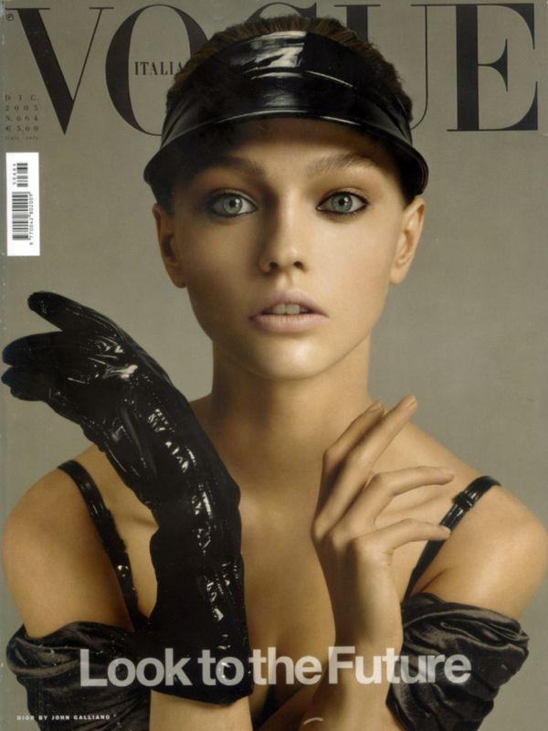 By-Steven-Meisel-for-Vogue-Italia-December-2005-768x1024