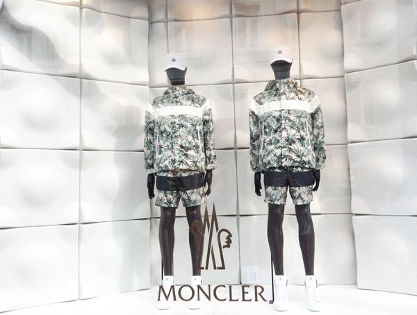 best-window-displays_moncler_2014_summer_floral-collection_10-960x727