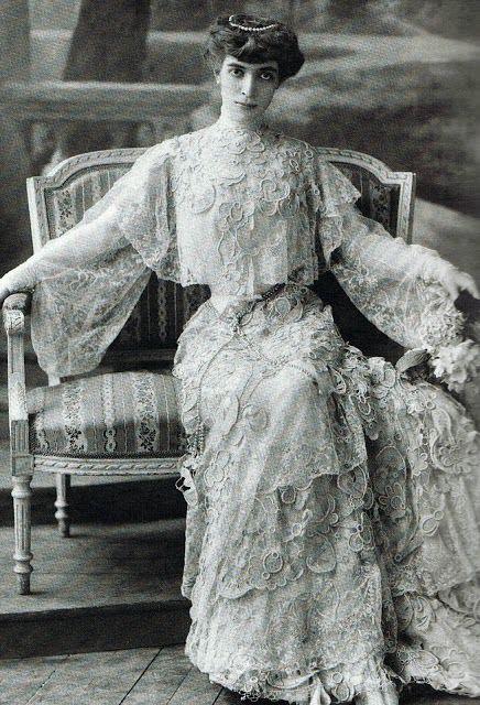 Luisa Casati, photographer unknown, ca 1905
