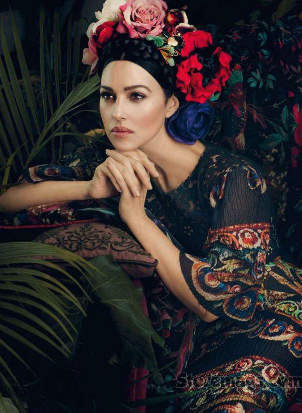 Monica-Bellucci-in-Harpers-Bazaar-Spain-July-2013-3