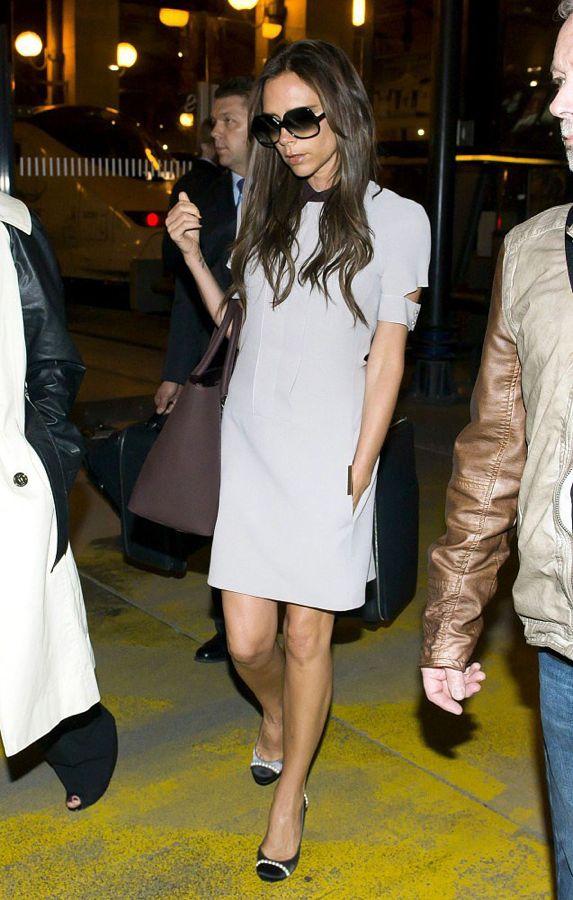 Victoria-Beckham-took-Paris-little-white-collared-Victoria