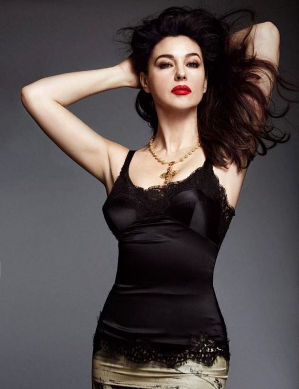 monica-bellucci-woman-madame-figaro-magazine-april-2014-issue_1_0