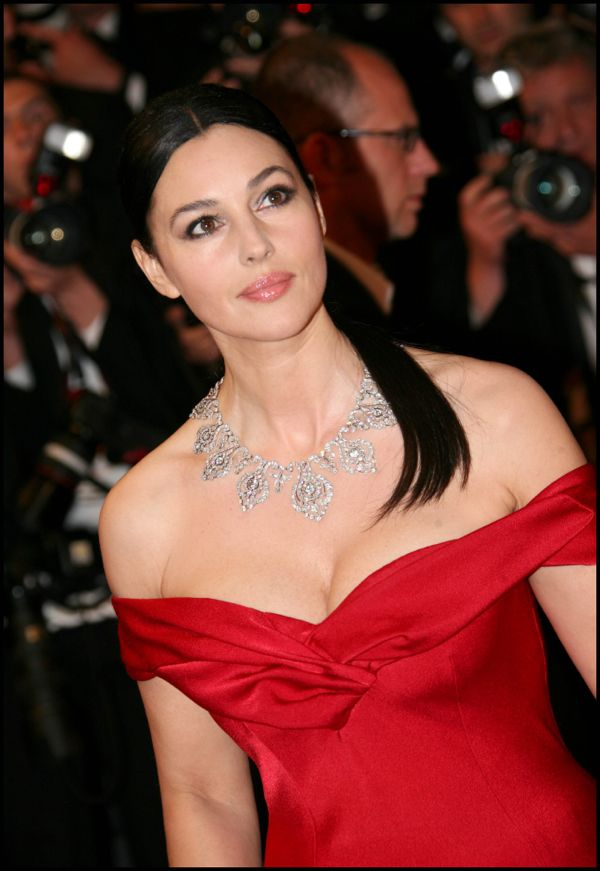 64381_Monica_Bellucci-Screening_of_Dont_Look_Back-7_122_470lo
